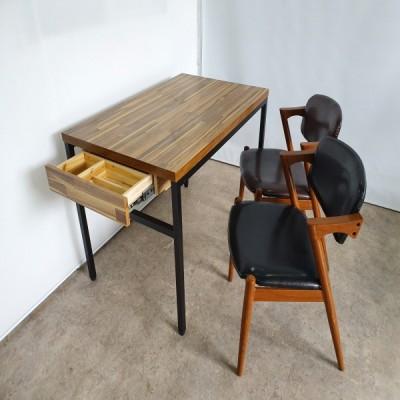 4인 세트 테이블